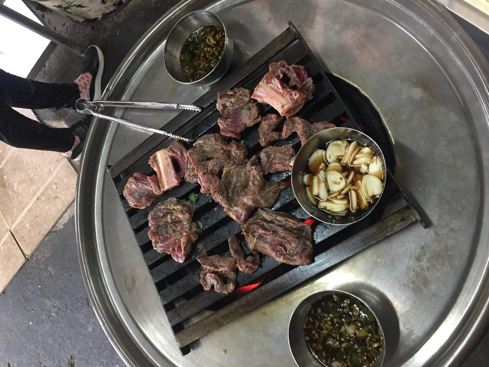 【韓国・新村】美味しい♪立ち食いカルビ(ソソカルビ)のお店、延南ソ食堂に行ってきました^^